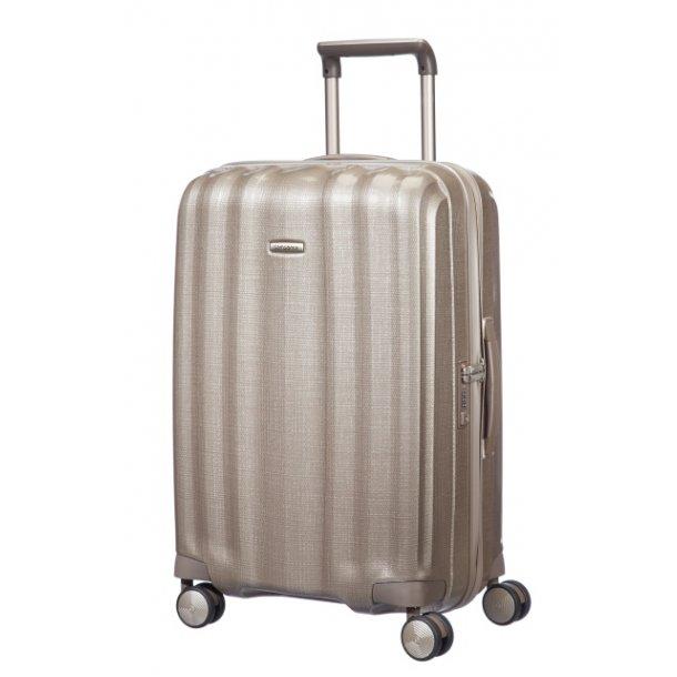 Mellem kuffert